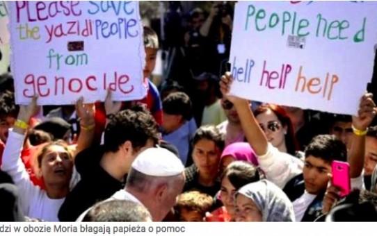 Muzułmanka oburzyła muzułmanów – skłoniła się przed papieżem