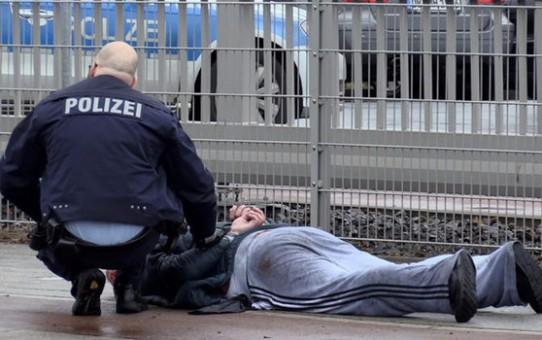 supermarket-man-stab-arrest-785828