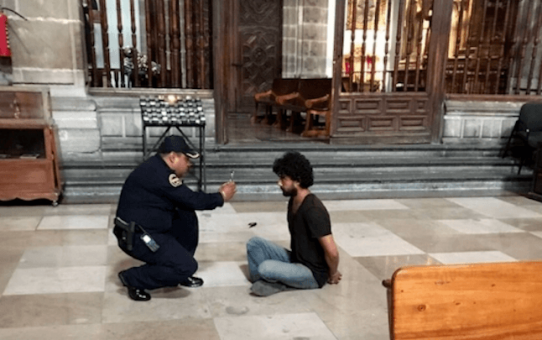 catedral-mexico_Muslim-attacker