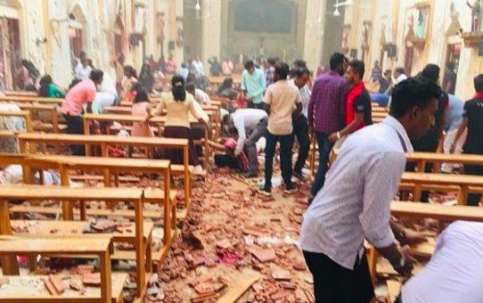 Wielkanocne życzenia od tolerancyjnej religii pokoju: petarda i ponad 200 zabitych w czasie Mszy
