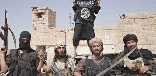 Kurdowie rozbrajali Asyryjczyków i Jezydów, pozostawiając ich na pastwę ISIS