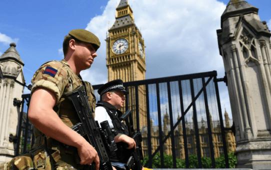 Dziesiątki tysięcy islamistów zagrażają Wielkiej Brytanii