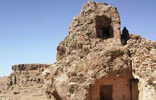 Hasankeyf - Hesno d-Kifo, Asyryskie Skalne Miasto