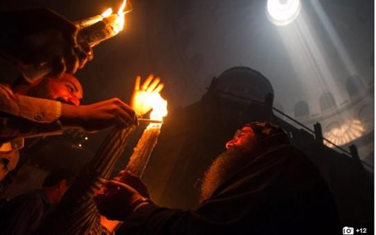 Światłość w ciemności świeci - Chrystus zmatrwychwstał!