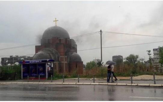 Katedra prawosławna w Kosowie spalona i zbezczeszczona