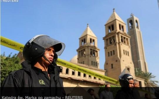Tolerancyjni muzułmanie zmasakrowali modlących się Koptów