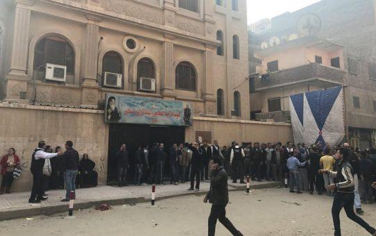Ośmiu Koptów zmasakrowano w Kairze