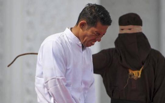 Indonezyjski chrześcijanin ubiczowany zgodnie z prawem szariatu