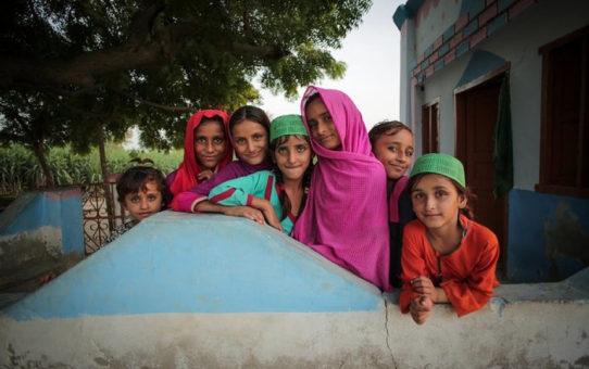 Czy wolno muzułmaninowi zgwałcić i poślubić 14-letnią dziewczynkę?