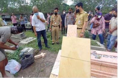 Uczniowie szkoły koranicznej zdewastowali chrześcijański cmentarz